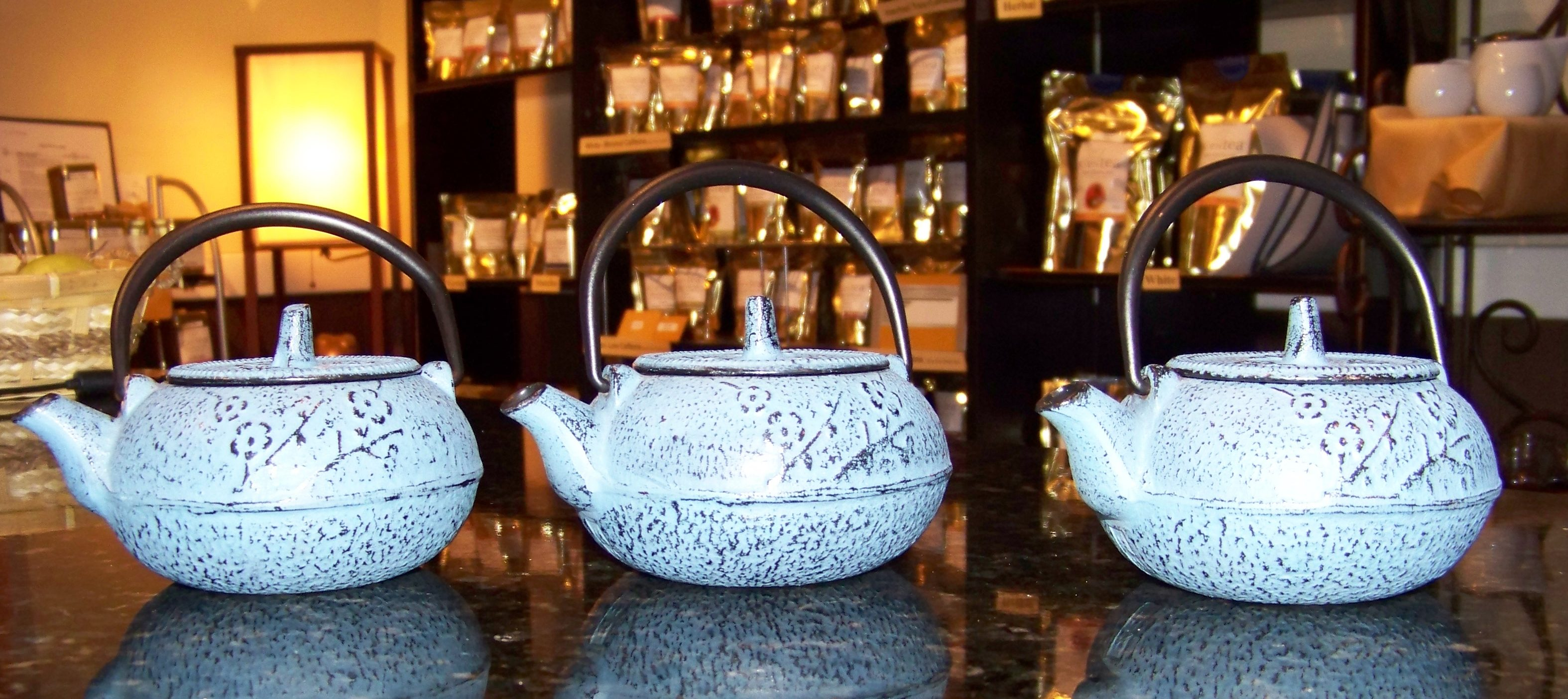 tea tasting, zentea tea tasting, blue cast iron tea pots. tea flights, pots of tea, Black tea tasting, oolong tea tasting, green tea tasting, white tea tasting, rooibos tea tasting, herbal tea tasting, wellness tea tastings, mate tea tasting,